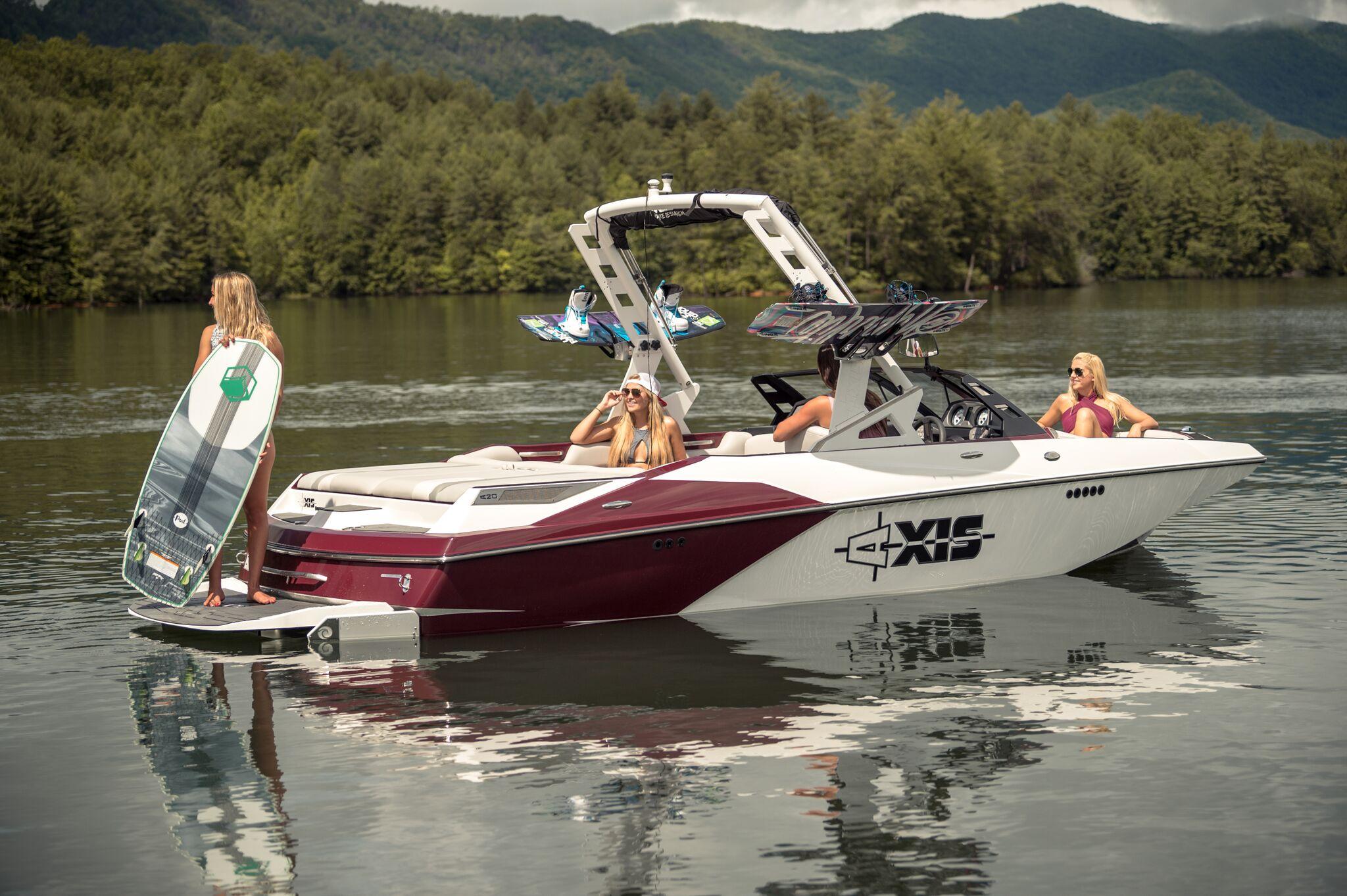Our Fleet | Lakeway Boat Club